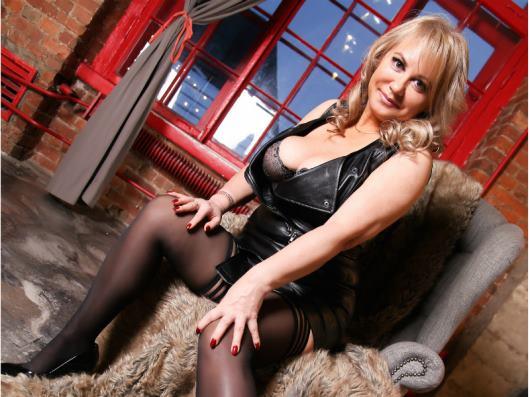 Bisexual 49 years cam model BustyIrene Female Blonde hair Curvy body speak English